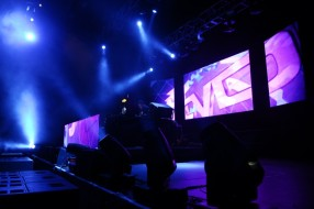 SMART_PRODUCTION_2012_Electronic_Indoor_Festival_07