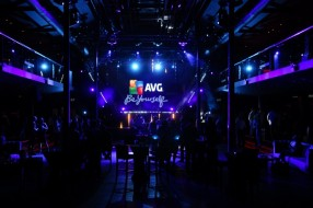 SMART_PRODUCTION_2013_AVG_Party_03